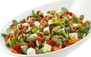 Lezzetinden Sual Olunmaz: Ceviz Soslu Semizotu Salatası