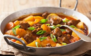 Yanına da Pilav: Etli Patates Yemeği
