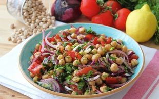 Renkli mi Renkli: Nohut Salatası