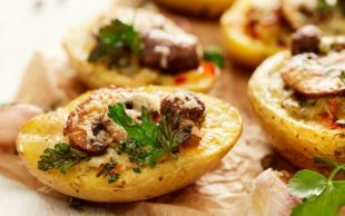Fırınlanmış Üstelik: Patates Yatağında Mantar