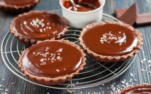 Sıkı Durun: Çikolatalı Deniz Tuzlu Tart