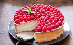 Kırmızı Meyve Aşkına: Frambuazlı Pasta