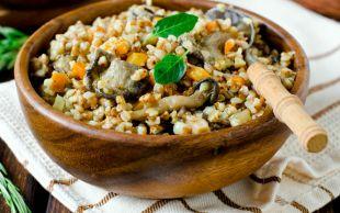 Mantar ve Havuç Başrolde: Sebzeli Karabuğday Pilavı