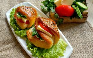 Tek Başına Kahvaltı: Cepli Sandviç Poğaça