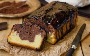Hem de Çikolata Soslu: Kolay Baton Kek