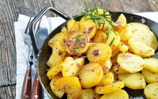 En Doyurucu Yemeklerden: Soğanlı Patates Kavurması