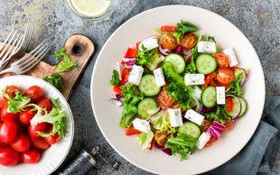 Hafif ve Doyurucu: Yunan Salatası
