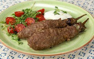 Ver Fırına: Köfte Mantolu Patlıcan