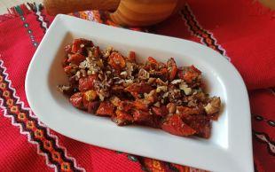 Mezelerin Güzeli: Kuru Domates Salatası
