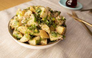 En Pratik ve Lezzetli Haliyle: Patates Salatası