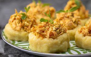 Misafir Kıskandırır: Patates Çanağında Havuç Salatası