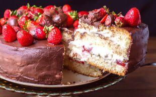 Pastacıları Kıskandıran Lezzetiyle: Yaş Pasta