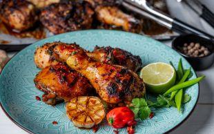 Yumuşacık Pişer: Fırında Soslu Tavuk Baget