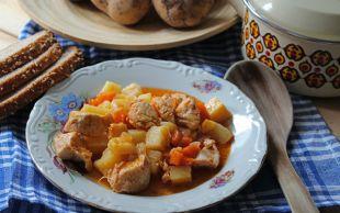 Bir Tencere Mutluluk: Tavuklu Patates Yemeği