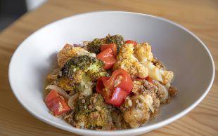 Evimizin Mutfağından: Fırında Kıymalı Sebze Yemeği