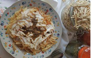 Pilava Alternatif: Erişte Yoğurtlaması