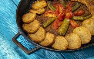 Akşama Ziyafet Var: Patatesli Tepsi Kebabı