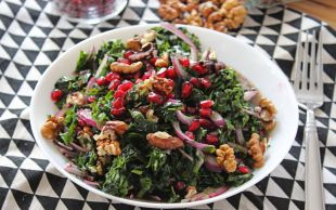 Nasıl da Ferah: Narlı Cevizli Ispanak Salatası