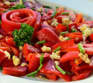Közlenmiş Biber Salatası Tarifi Nasıl Yapılır Yemek Com