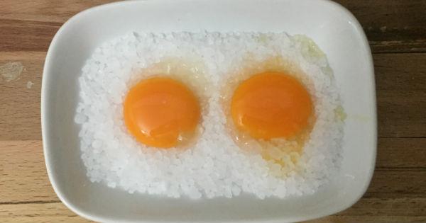 tuzda-yumurta-sarisi-adim-3