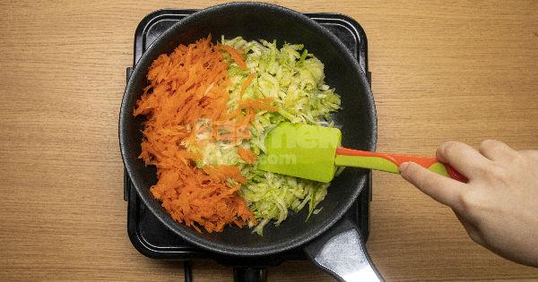 yogurtlu-kabakli-havuc-salatasi3