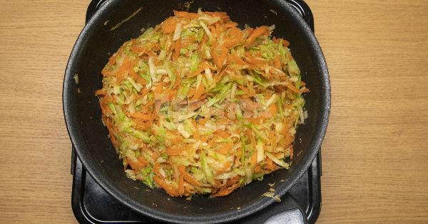 yogurtlu-kabakli-havuc-salatasi4