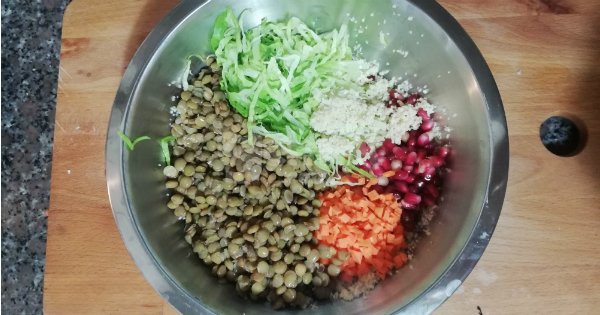 bulgurlu-yesil-mercimek-salatasi-asama-5