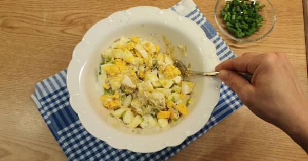 yumurta-salatasi-2-adim