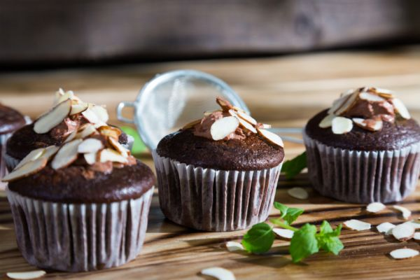 Bademli Çikolatalı Cupcake Tarifi