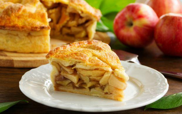 https://yemek.com/tarif/elmali-pasta/   Elmalı Pasta Tarifi