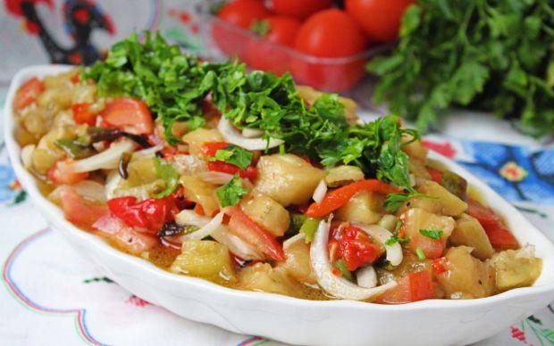 kozlenmis-patlican-salatasi-one-cikan