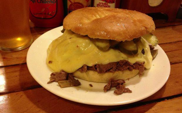 barros-luco-burger-sandvic
