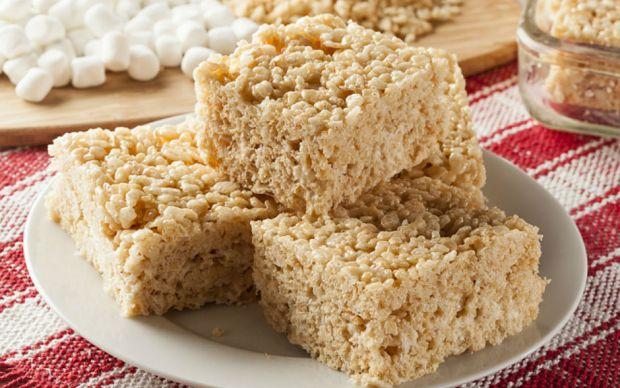 https://yemek.com/tarif/marshmallowlu-pirinc-patlagi/   Marshmallow'lu Pirinç Patlağı Tarifi