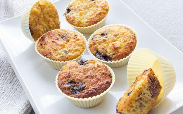 https://yemek.com/tarif/glutensiz-yaban-mersinli-muffin/   Glutensiz Yaban Mersinli Muffin Tarifi