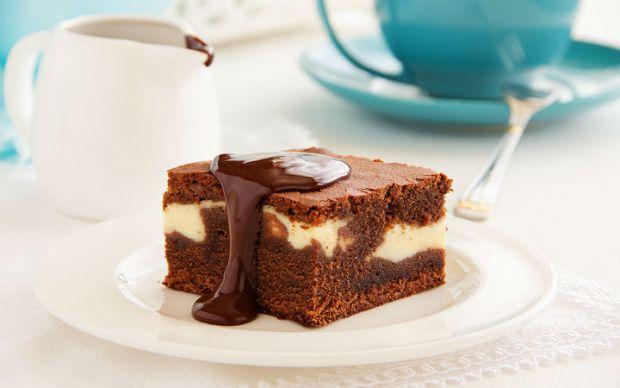 https://yemek.com/tarif/beyaz-cikolatali-brownie   Beyaz Çikolatalı Brownie Tarifi