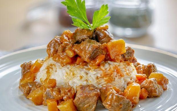 https://yemek.com/tarif/tas-kebabi/ | Tas Kebabı Tarifi