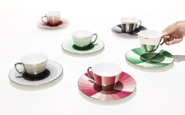 http://laughingsquid.com/mirrored-teacups-that-cleverly-reflect-the-colorful-pattern-of-their-accompanying-saucers/   laughingsquid