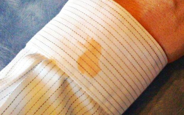 http://lifehacker.com/remove-oily-stains-from-clothing-with-common-kitchen-it-1508915073 | lifehacker - zeytinyağı lekesi nasıl çıkarılır?