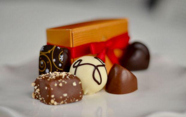 http://dessertedplanet.com/godiva-chocolate-rewards/   dessertedplanet - godiva istanbul