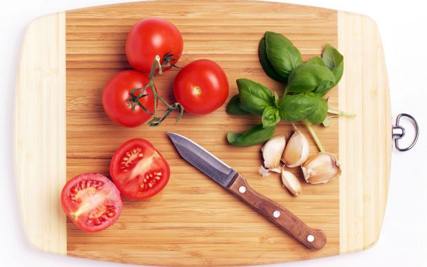 http://www.foodnetwork.com/how-to/articles/5-ways-to-clean-a-wooden-cutting-board.html | foodnet