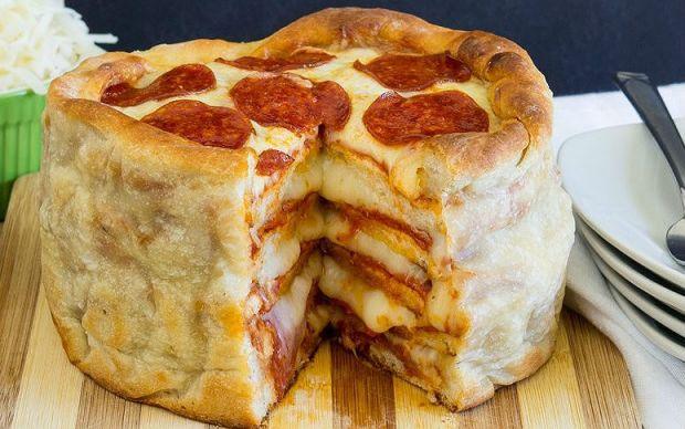 https://yemek.com/tarif/pizza-pasta/ | Pizza Pasta Tarifi