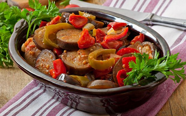 https://yemek.com/tarif/firinda-patlican/ | Fırında Patlıcan Tarifi