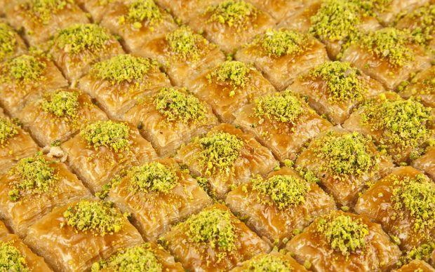 https://yemek.com/baklavanin-puf-noktalari/ | Baklava Püf Noktaları