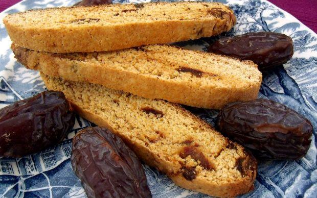 https://yemek.com/tarif/hurmali-biscotti/ | Hurmalı Biscotti Tarifi