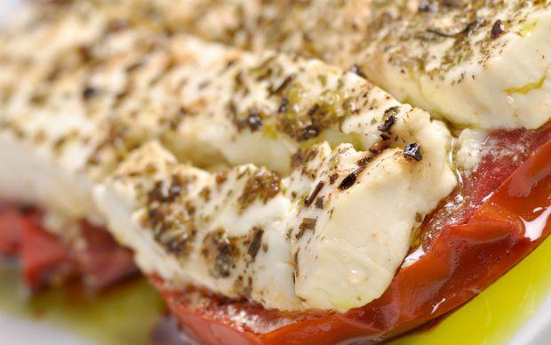 https://yemek.com/tarif/firinda-beyaz-peynir/ | Fırında Beyaz Peynir Tarifi
