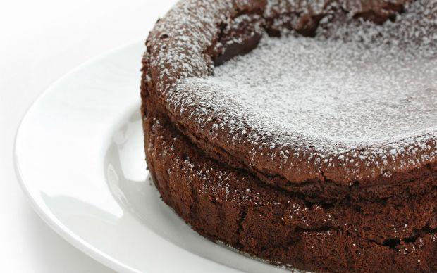 https://yemek.com/tarif/iki-malzemeli-cikolatali-kek/   İki Malzemeli Çikolatalı Kek Tarifi