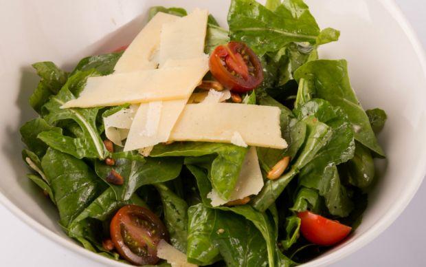 https://yemek.com/tarif/roka-salatasi/ | Roka Salatası Tarifi