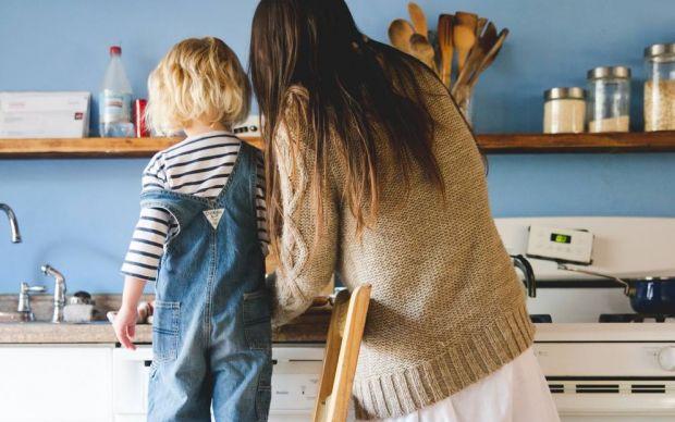 anneyle-beraber-mutfaga-girme