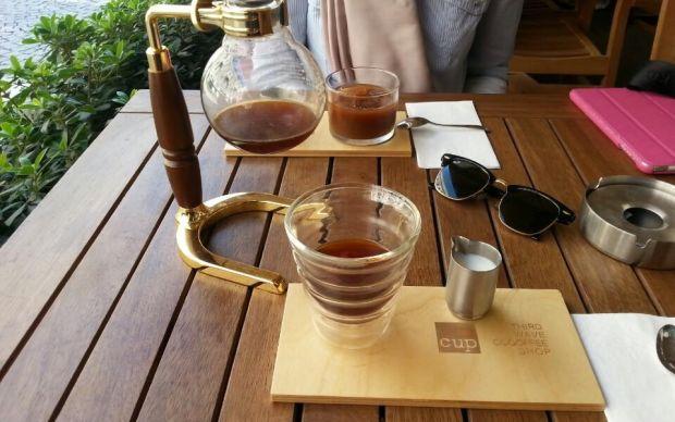 https://yemek.com/istanbuldaki-en-iyi-ucuncu-dalga-kahveciler/ | yemek.com