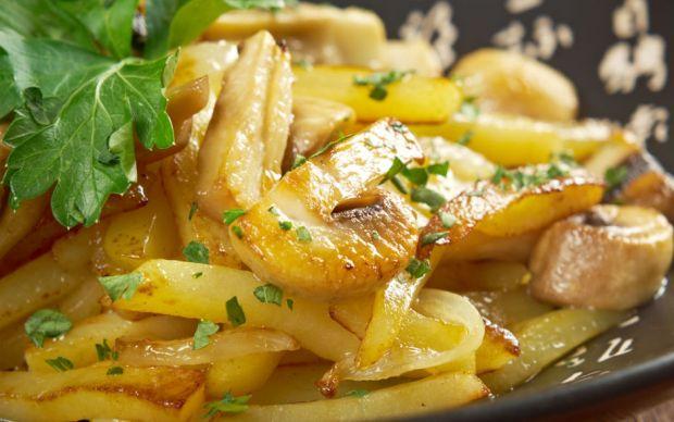 https://yemek.com/tarif/patatesli-mantar-sote | Patatesli Mantar Sote Tarifi